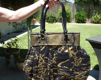 Black and Gold Oriental Fabric Purse