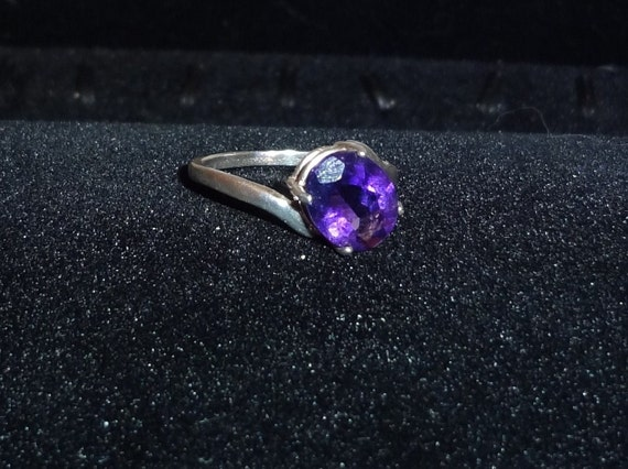 Sterling Silver Oval Amethyst Ring Size 8