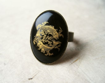 Pisces Zodiac Ring. Black Vintage Astrology Ring, Pisces Star Sign Adjustable Ring, Antique Bronze Ring with Vintage Glass Cabochon.