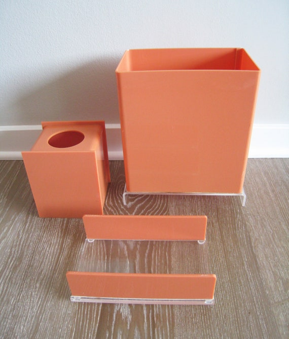 Rare vintage coral peach lucite bathroom set for Peach bathroom set