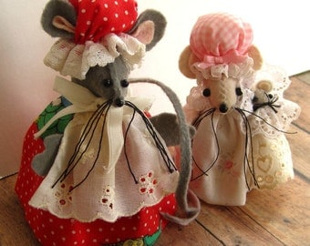 Vintage Handmade Mouse Family