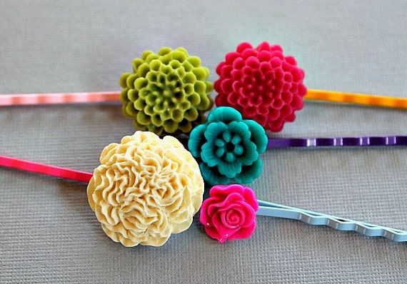 Prim and Pretty Cabochon Flower Bobby Pin Set of 5