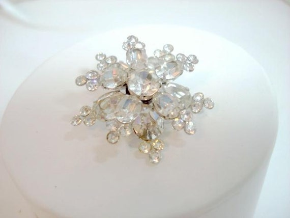 Sparkling Crystal Clear Snowflake brooch  1387ag-040810000
