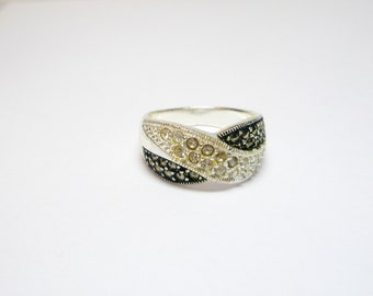 White and Black Vintage Marcasite   Ring  -  925 Sterling Silver