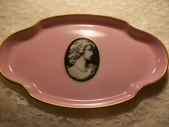 Limoges Cameo Hair Pin Tray