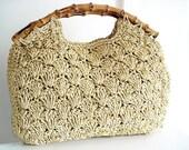 Vintage 60s tan crochet handbag/ scallop detail/ bamboo handles/ summer purse/ cream preppy bag