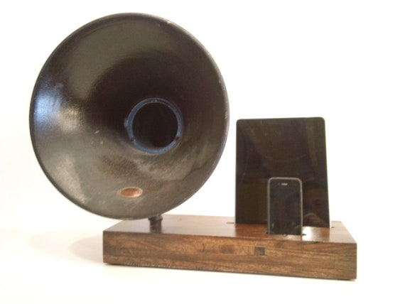 Acoustic  iPad iPhone Speaker Dock Utilizing a Vintage Antique  Gramophone Phonograph Horn -READY to SHIP-