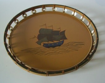 Round lacquered tray, vintage Japanese serving tray