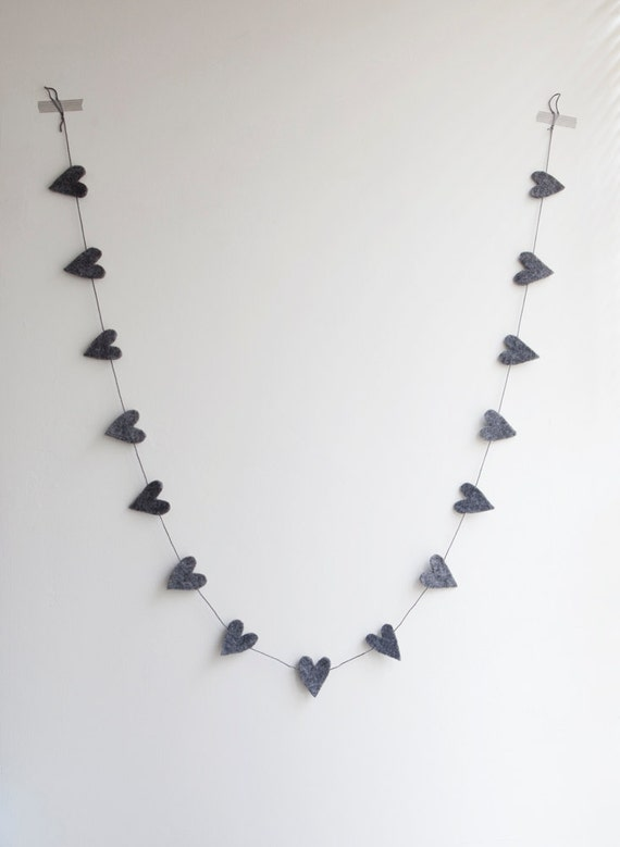 Felt heart garland - Grey