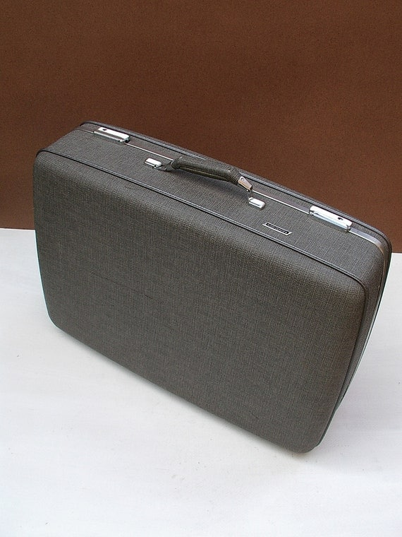 American Tourister Tri-Taper Suitcase Hard Shell Luggage Vinatge Faux Tweed Gray