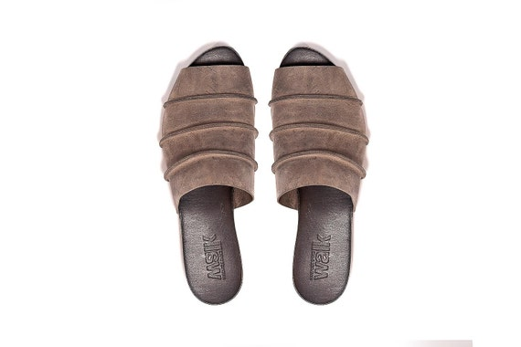 Clearance Sale! Grey everyday shoes made of leather. Comfortable slip ons for women.Grey flat shoes. Open back shoes. Size 9.5