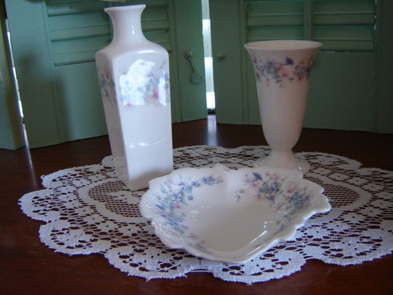 Wedgwood Wedding Decor home Decor Collectible handpainted china 3 pc set made in England porcelain fine china