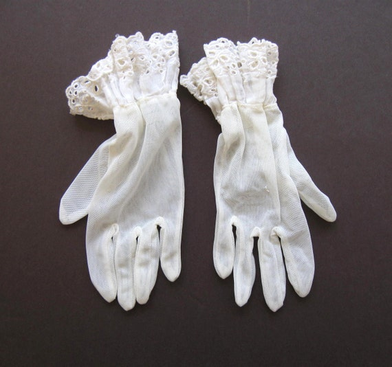 Vintage Woman's Sheer White Dress Gloves 1940s