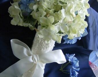 Luxury Lace  Bouquet Wrap Gorgeous /Handmade pearls Bridal Bouquet wrap