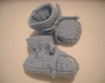 Stay-on Baby Booties - Size 0-3 Month - Blue - Handknit
