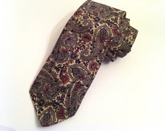 Oscar de la Renta Men's Tie, Silk Vintage Necktie, Vintage Tie, Designer Necktie, Cream, Dark Red, Navy Blue, and Beige Tie, Designer Tie