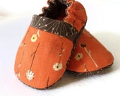 Autumn Day Reversible Baby Shoes, size 3-6 months, fabric soles