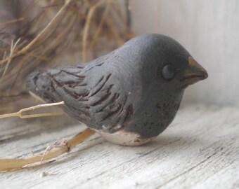 Snow Bird- polymer clay charm. black bird. grey.  Junco. rustic woodland. realistic bird jewelry bead. Jettabugjewelry