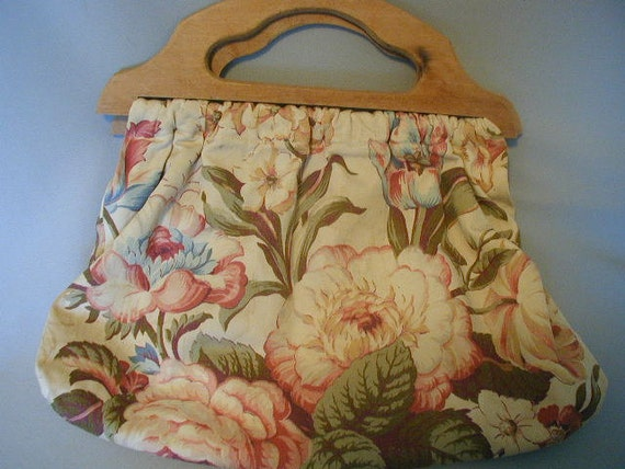 Devine Vintage Sewing Knitting Bag Purse Rose and Cream Fabric Cottage Chic