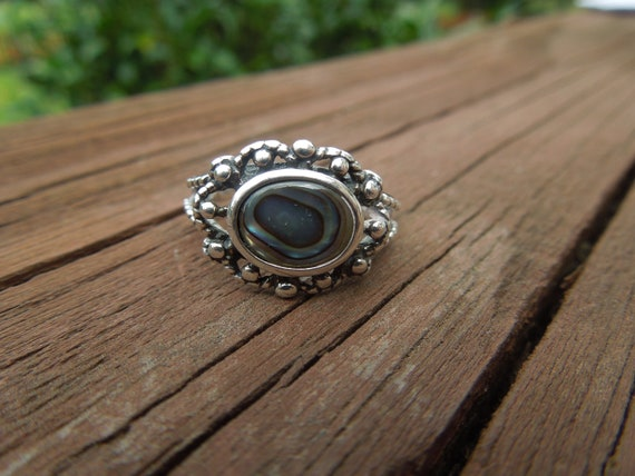 Vintage Abalone Ring, Sterling Silver with Paua Shell, Size 6