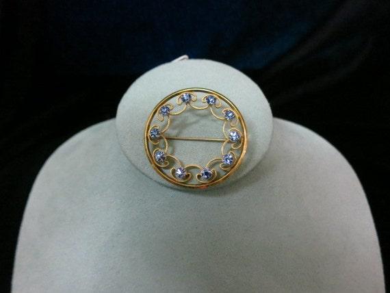 Vintage Krementz Prong Set Blue Rhinestone Crystal Pin