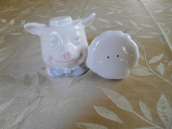 Salt and Pepper Shakers, Pig, Piggy, Hog