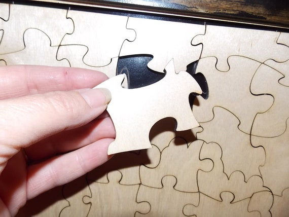 Wedding guest book alternative signing puzzle Hand in Hand The