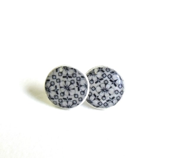 Mille fleurs earring studs black and white floral earring studs ear post