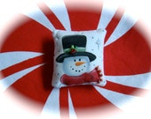 Dollhouse Miniature Pillow-Top Hat Snowman