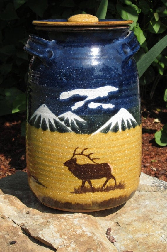 Montana Earth Pottery Vintage Cookie Jar Elk Mountains Hunting Bugle Wildlife Mustard White Blue Clouds ( SALE )