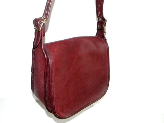 SALE Authentic Vintage COACH  Satchel Purse Messenger Bag Crossbody Shoulder Bag in Burgundy Back To School Fall