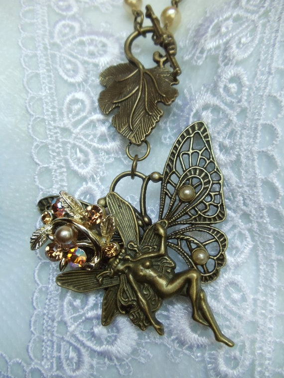 Vintage Style Necklace - Fairy Necklace - Butterfly Necklace -  Pearl Necklace - Open Front Grape Toggle