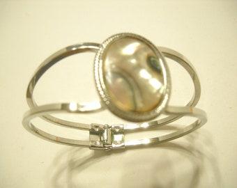 Vintage MOTHER OF PEARL Hinged Cuff Bracelet (1836)