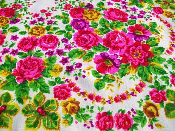 Floral wool  SHAWL / SCARF. Vintage.