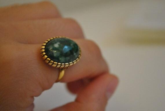 Beautiful vintage green 60s Art Glass  Adjustable Ring