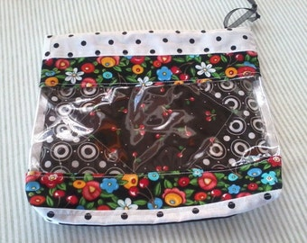 Happy Bag small zippered pouch