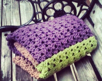 Grapevine Inspired Crochet Shell Stitch Baby Blanket with scalloped edging.