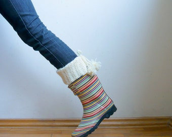 Crochet pattern Leg warmers, pom pom boot cuffs, rain boot liner PDF crochet pattern , DIY tutorial