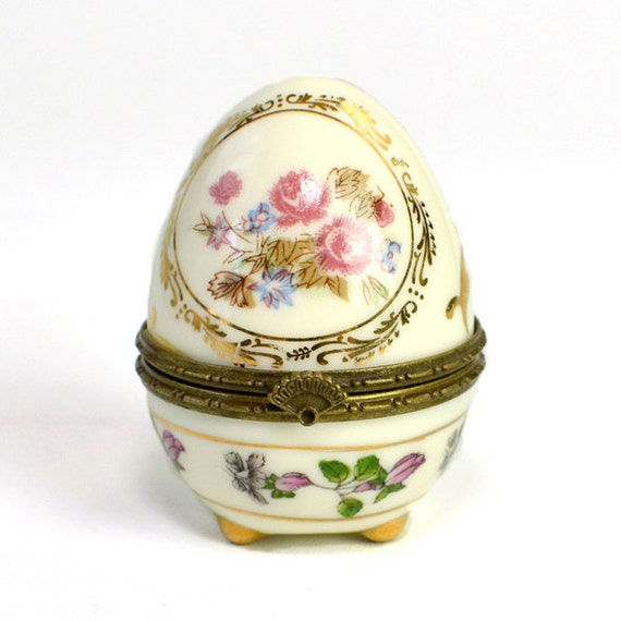 Decorated Egg Trinket Box - Hinged, Footed, Tiny Jewelry Box or Treasure Stash, Floral Pattern - Vintage Home Decor