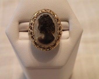 Lovely Art Nouveau 14K Gold Sardonyx Cameo Ring - Size 6 3/4 U.S.