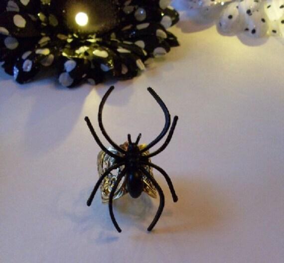 PrimiTive Folkart Spider Ring Steampunk Art