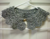Peter Pan collar Knitted in grey
