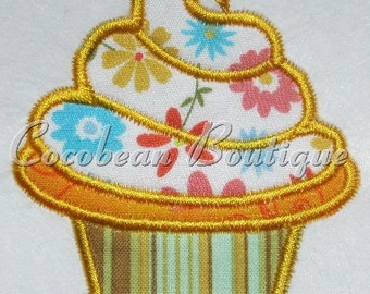 Cupcake embroidery applique