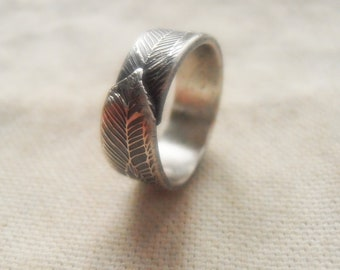 Lucky Feather Ring in Sterling Silver - Patina Finish - Sizes 4 to 10 - Eco-Friendly Recycled Silver - Unisex