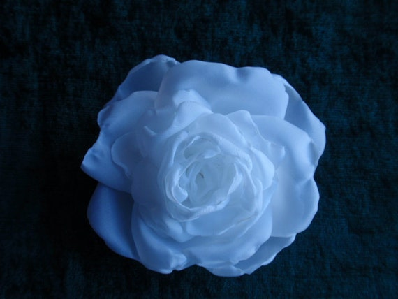 Handmade silk flower white roses, pin brooches and hair clip