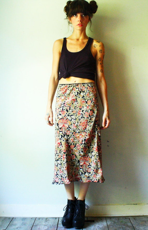 indian summer skirt sale. knee length pencil skirt. floral autumn paisley. size sm to md. ready to ship