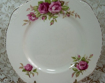 PLATE - Collector with Beautiful Roses and gilding - For Hanging