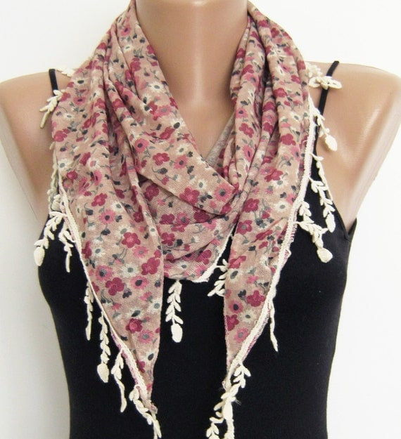 Summer scarf- Floral triangle lace scarf
