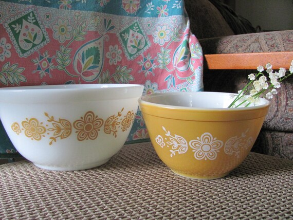 Two Pyrex nesting/mixing bowls in Golden Butterfly pattern