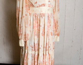 Vintage Dress with Lace